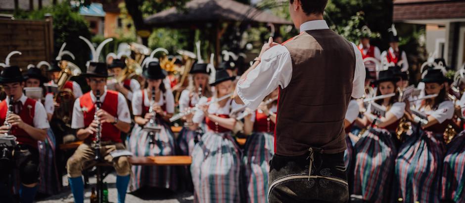 Musik, Tanz, Tracht und Tradition