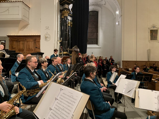 Weihnachtskonzert miWeihnachtskonzert 2019 mit der Musikgesellschaft Alpnach
