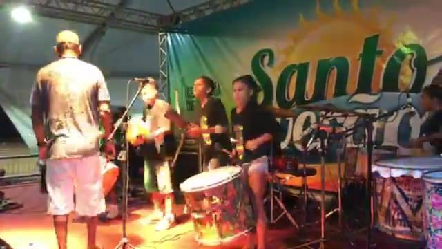 Participação do Coletivo Querô do Arte no Dique no show de Lançamento do CD da Banda Barracos!