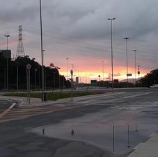 Final do dia registrado na nova pista construída