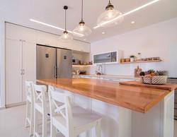 עיצוב מטבח מודרני כפרי בשוהם