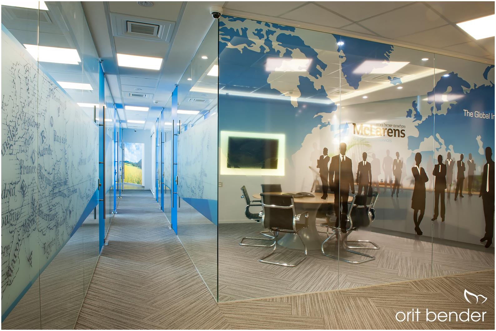 תכנון מחיצות פנים מזכוכית במשרדידם
