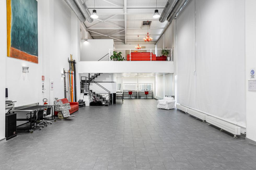 StudioWhite_010.jpg