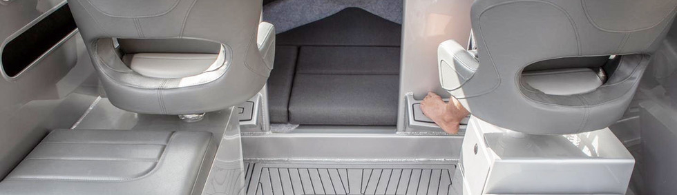 extreme-645-sport-fisher-seating.jpg