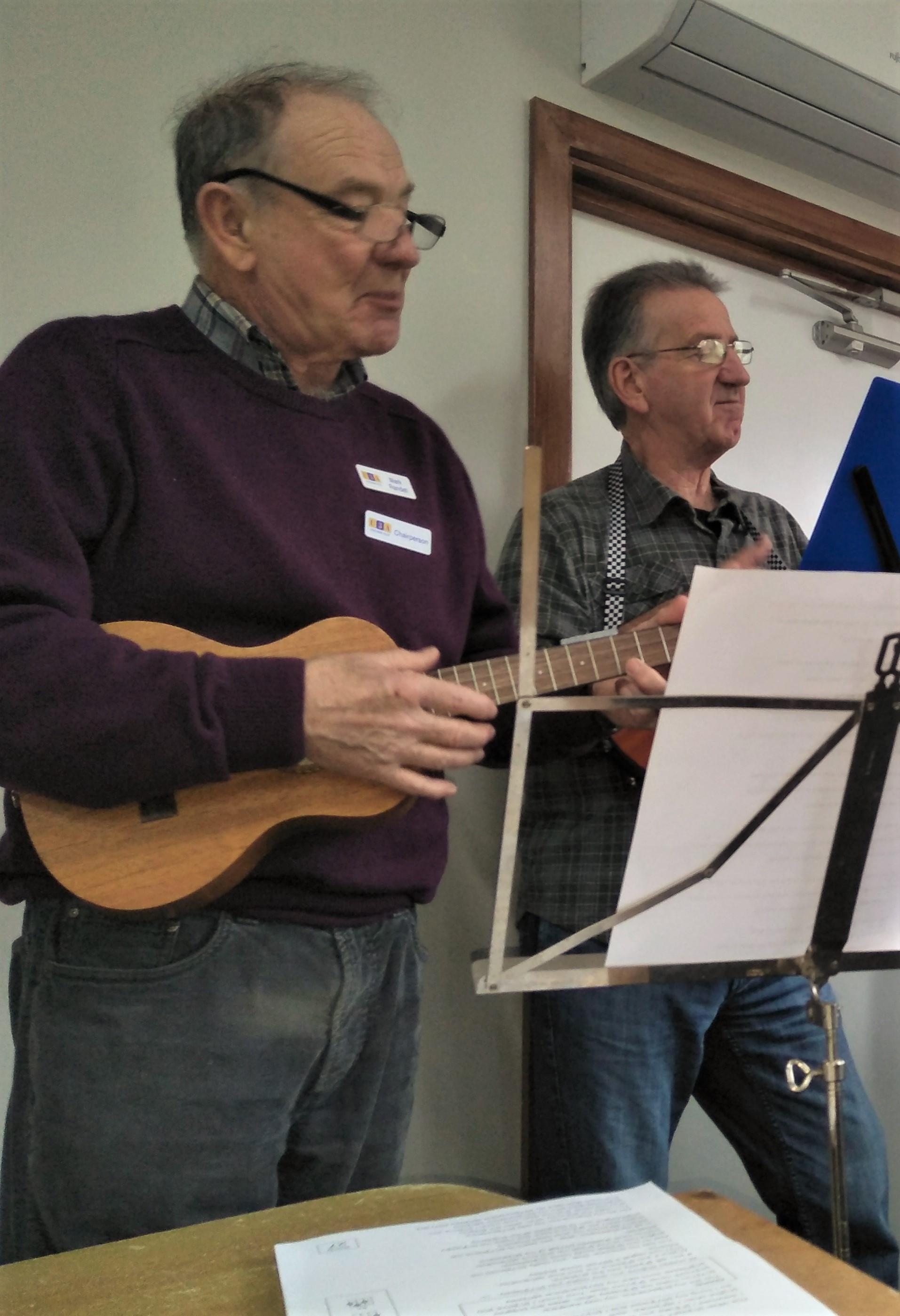 Mark & Geoff strummin