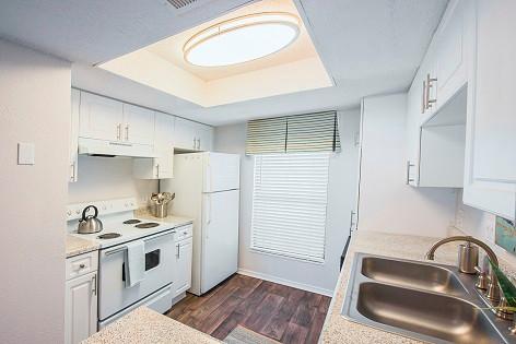 Pine kitchen.jpg