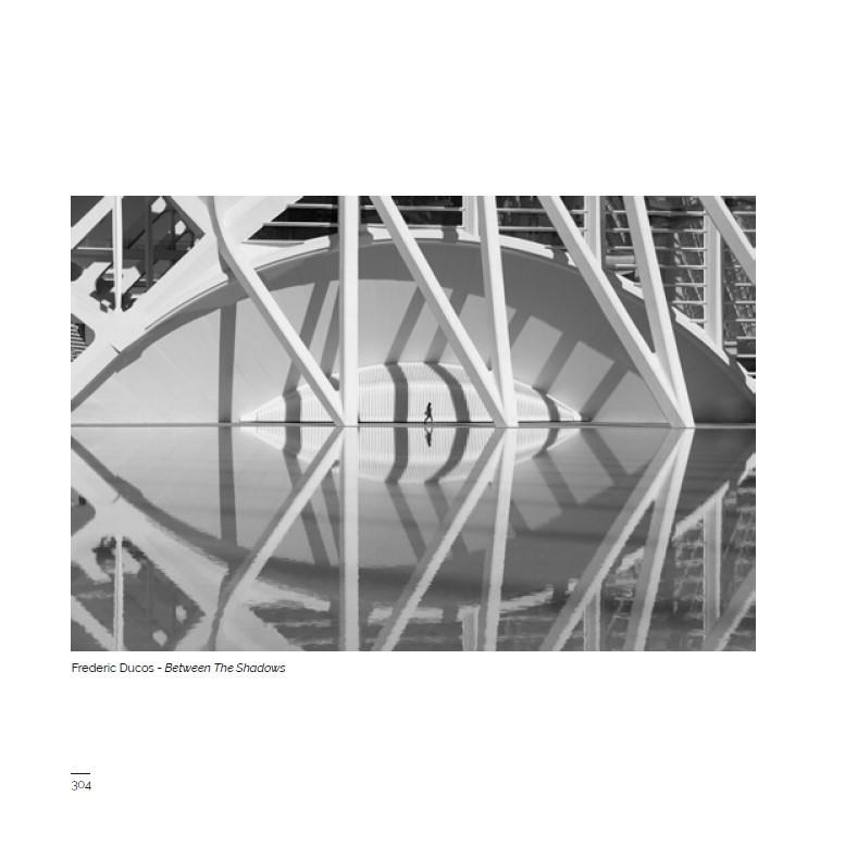 """Publication d'une photo de Frédéric Ducos dans le photobook """"Urban""""."""