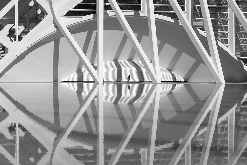 "Ma photo ""Between the shadows"" finaliste des Urban Photo awards 2019"