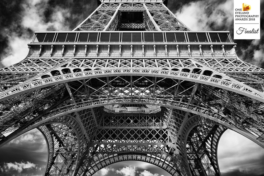 "Photographie d'architecture ""Eiffel tower"" finaliste du concours One eyeland awards 2018"