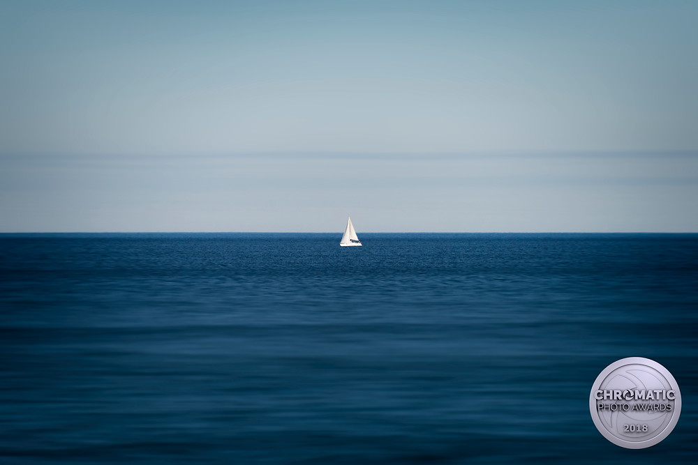 """""""Honorable mention"""" aux chromatic awards 2018 pour ma photo """"Sailboat in Spain""""."""
