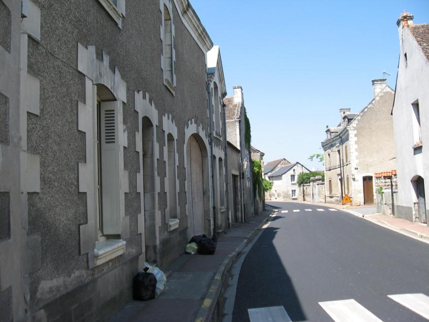 La rue Grande, direction Chinon, XXIe siècle