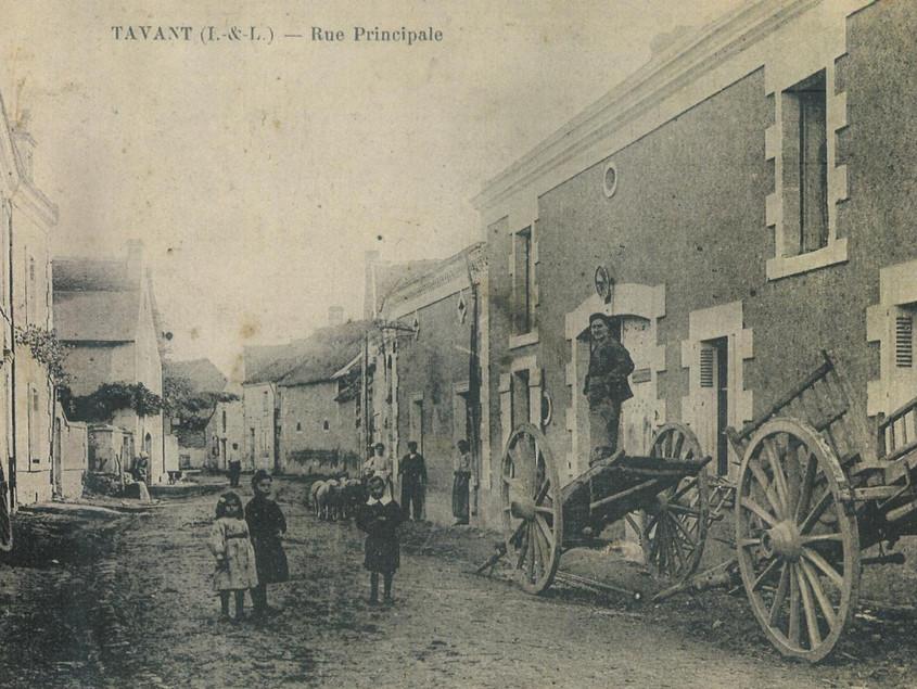 La rue Grande, direction L'Ile-Bouchard, XIXe siècle