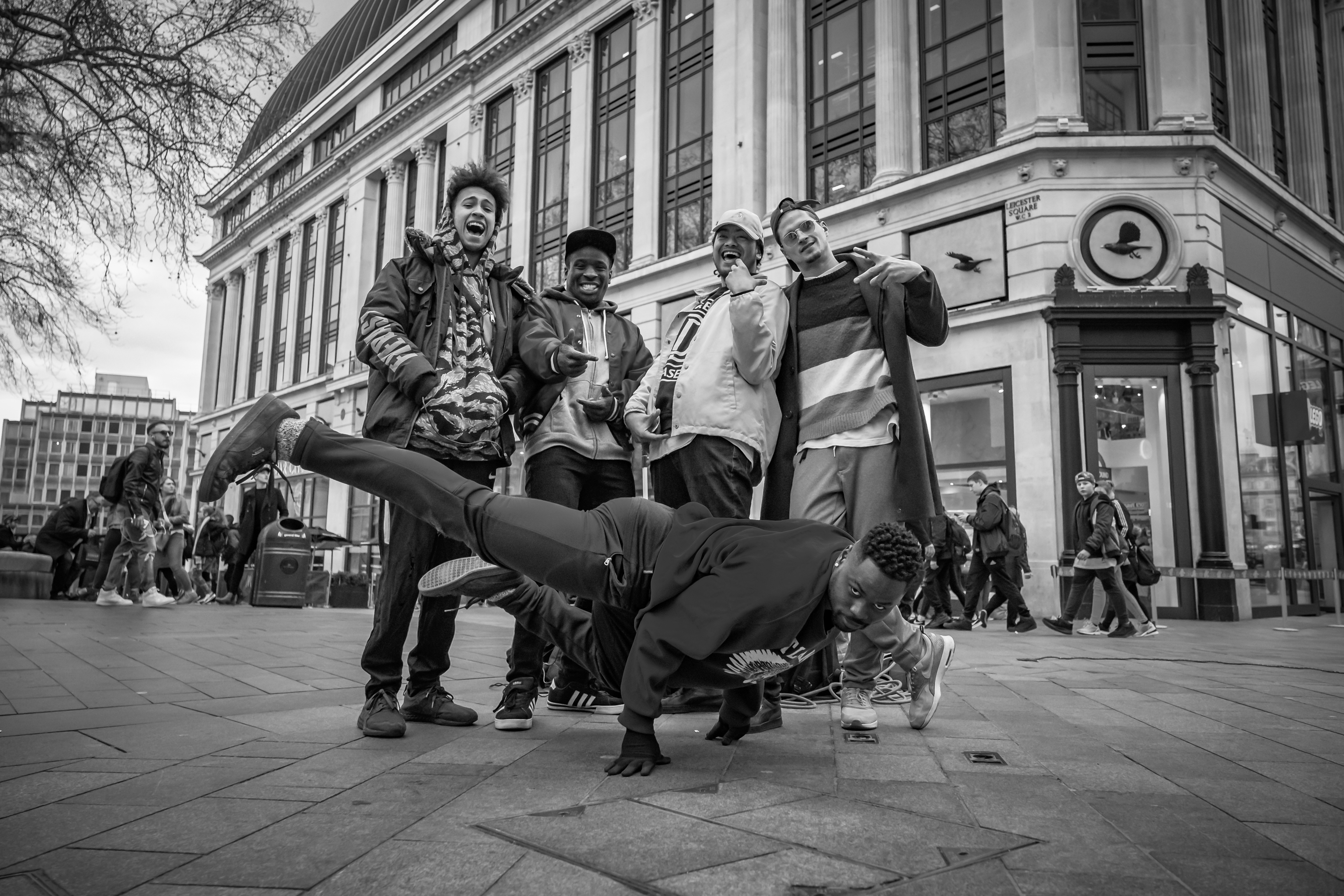 Central Hype - street performers-17
