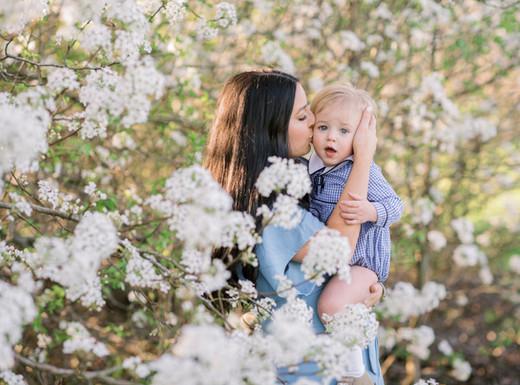 Brooklyn + Rhett | Motherhood Session in the Blossoms