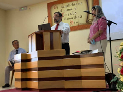 Joe Preaching in Caserta.jpg