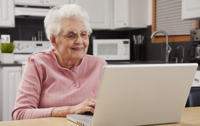 Número de usuários da terceira idade na internet sobe 940%