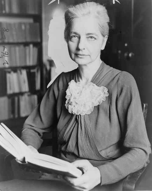 American anthropologist Ruth Benedict.  Part of the Qwiz5 series by Qwiz Quizbowl Camp, written to help quiz bowl teams power more tossups!