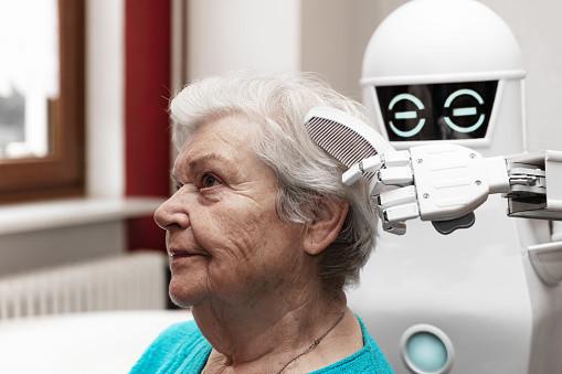 Sind wir die neuen Pflegeroboter?