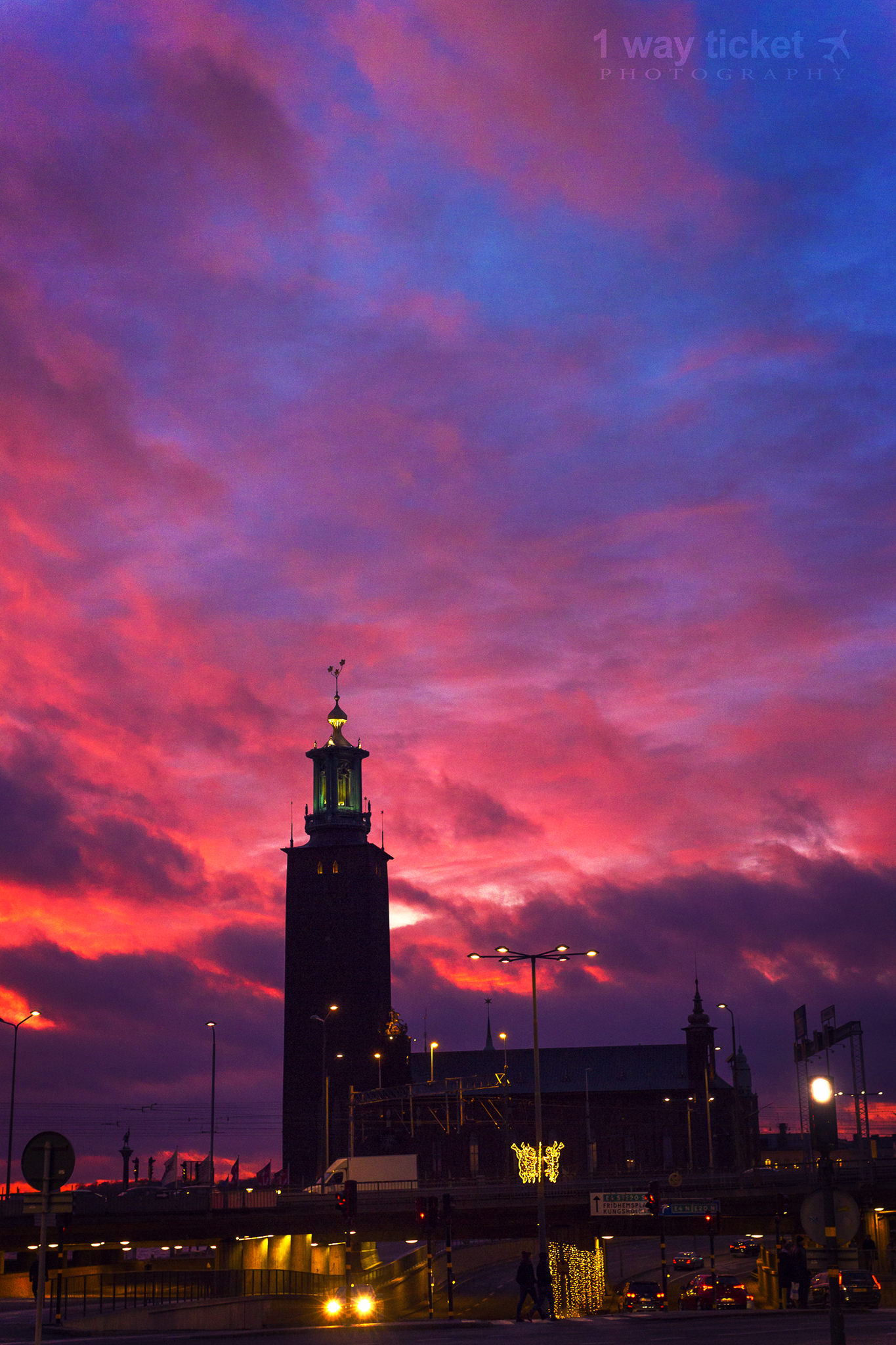 stockholm stadshuset sky web