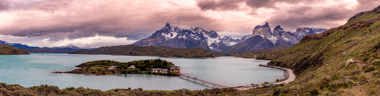 Lago Pehoé y Cuernos del Paine