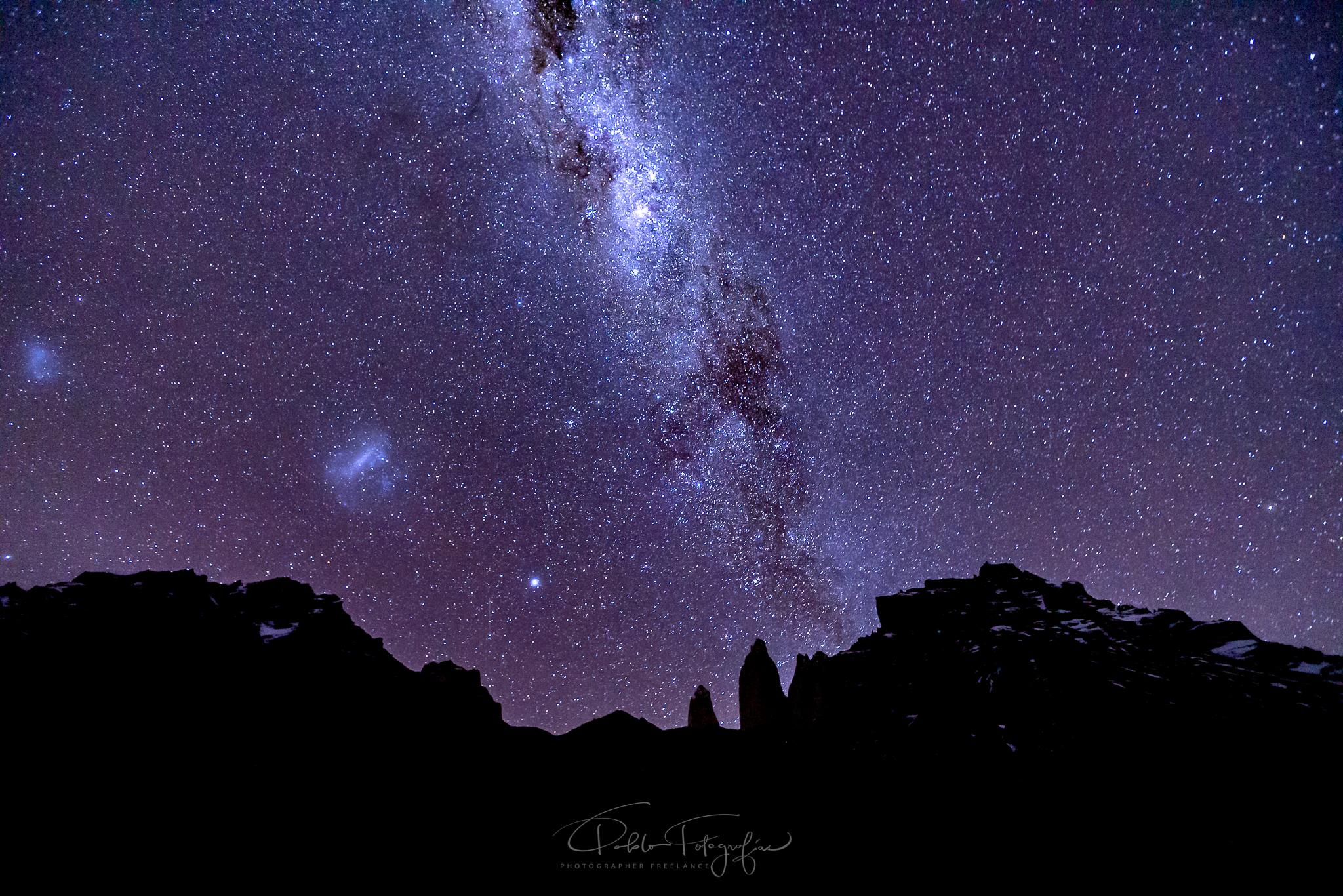 Via Láctea Sobre las Torres del Paine