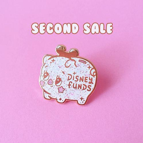 Seconds Disney Funds Piggy Money Bank 25mm Hard Enamel Glitter Pin