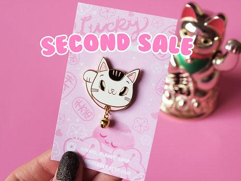 SECOND SALE Lucky Waving Cat, Maneki Neko 3cm Hard Enamel Pin