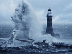 Autour, la tempête...