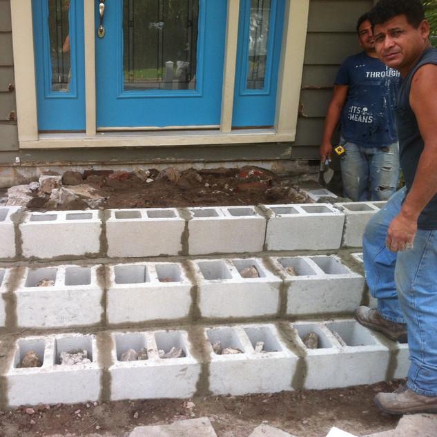 Building outdoor steps from back door