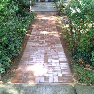 Alternating red brick walkway