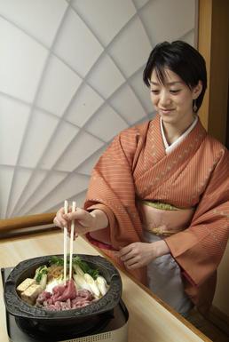 sukiyaki cooking.jpg