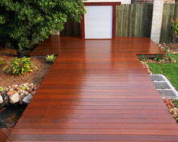 Merbau (hardwood) as a garden focus