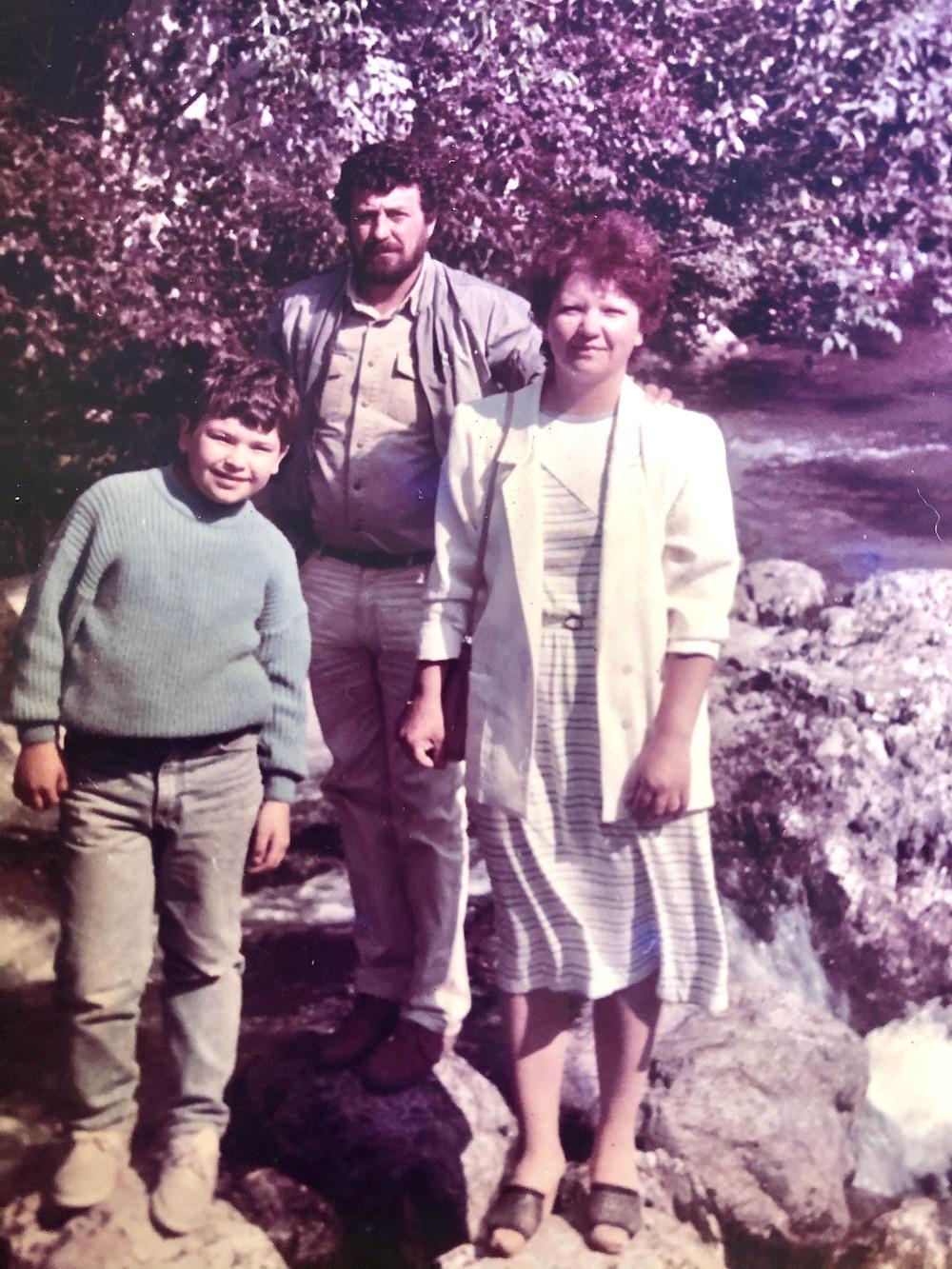 Максим Милованов с родителями. Озеро Рица, Абхазия 1989 год
