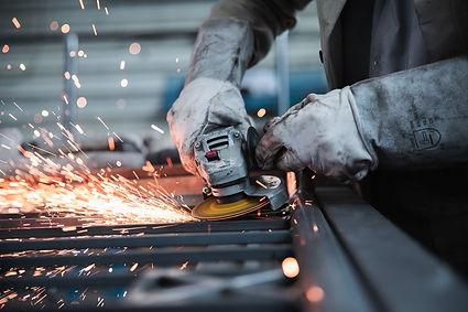 worker-5736096_1920.jpg