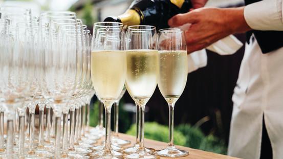 Wedding Champagne   Meadowbank Estate   Wedding Venue   Campbellfield