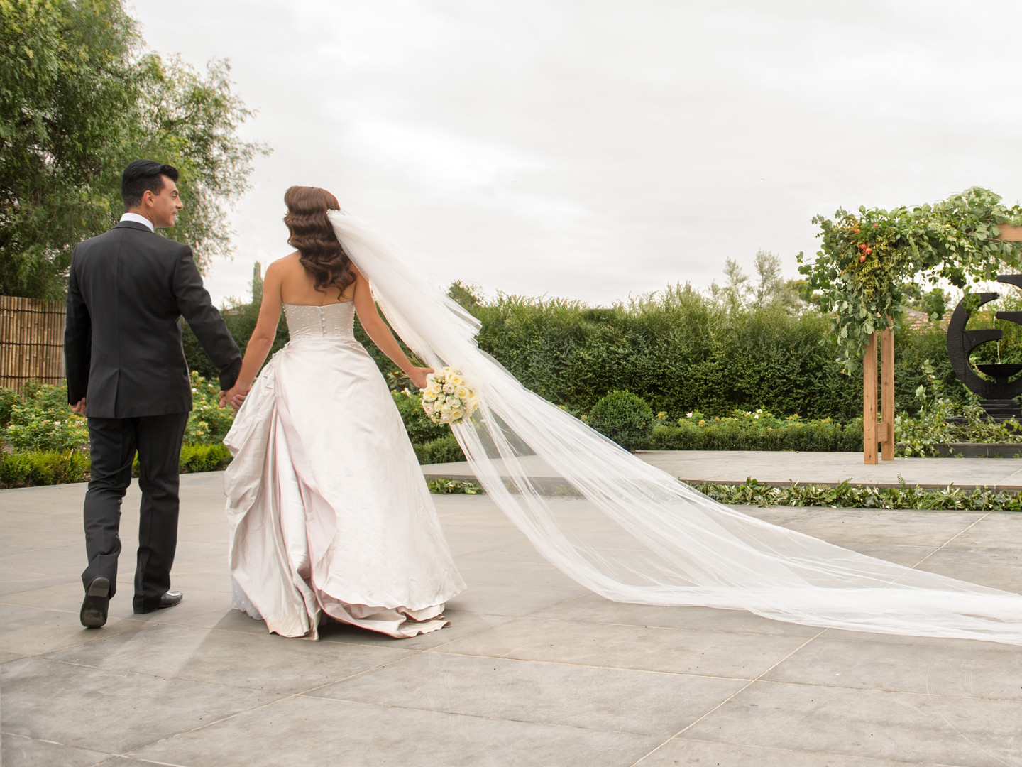 Long Veil | Meadowbank Estate | Wedding Venue | Campbellfield