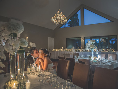 Wedding Kiss | Meadowbank Estate | Wedding Venue | Campbellfield