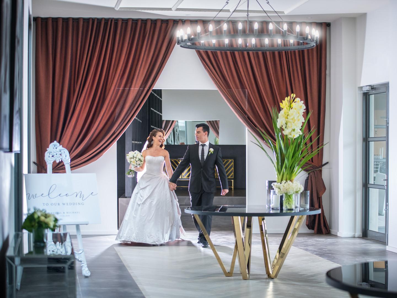 Bride and Groom Arriving | Meadowbank Estate | Wedding Venue | Campbellfield