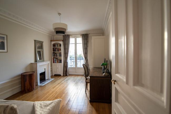 Paris 15 Study/Spare Room