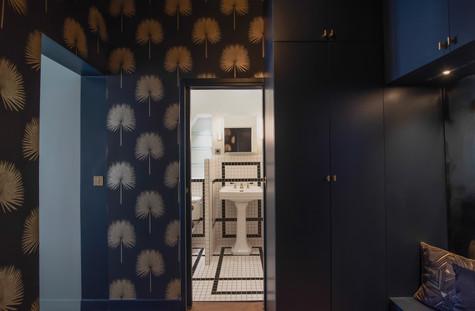 Project Paris 3 Beaumarchais Entry Bathroom