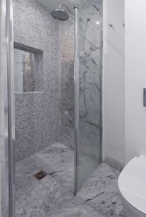 Paris 3 FDC Bathroom