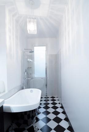 Paris 15 Bathroom