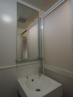 洗面台と鏡