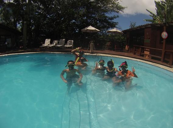 Adaptação de mergulho em piscina