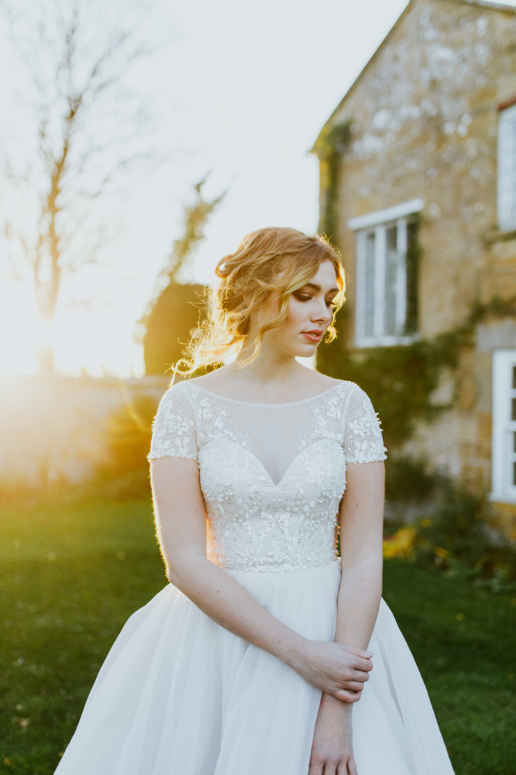 A Jane Austen Inspired Bridal Shoot | Midelney Manor