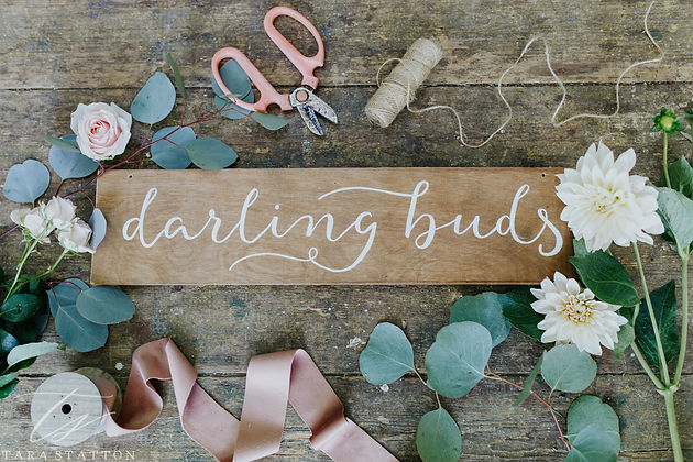 The Ultimate Guide to Wedding Flowers   Guest Post with Darling Buds