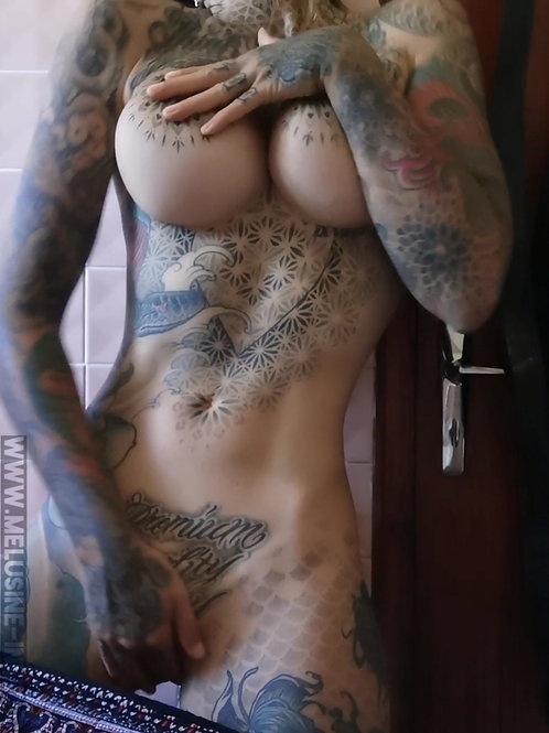 VIDEO // erotic caress 18