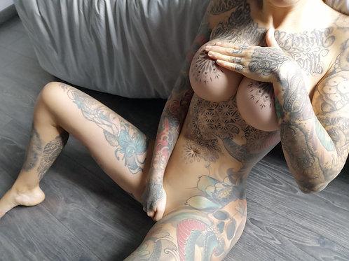 VIDEO // erotic caress 5
