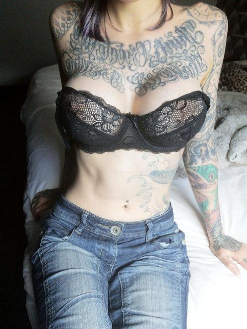 VIDEO // exib boobs & tits play 4