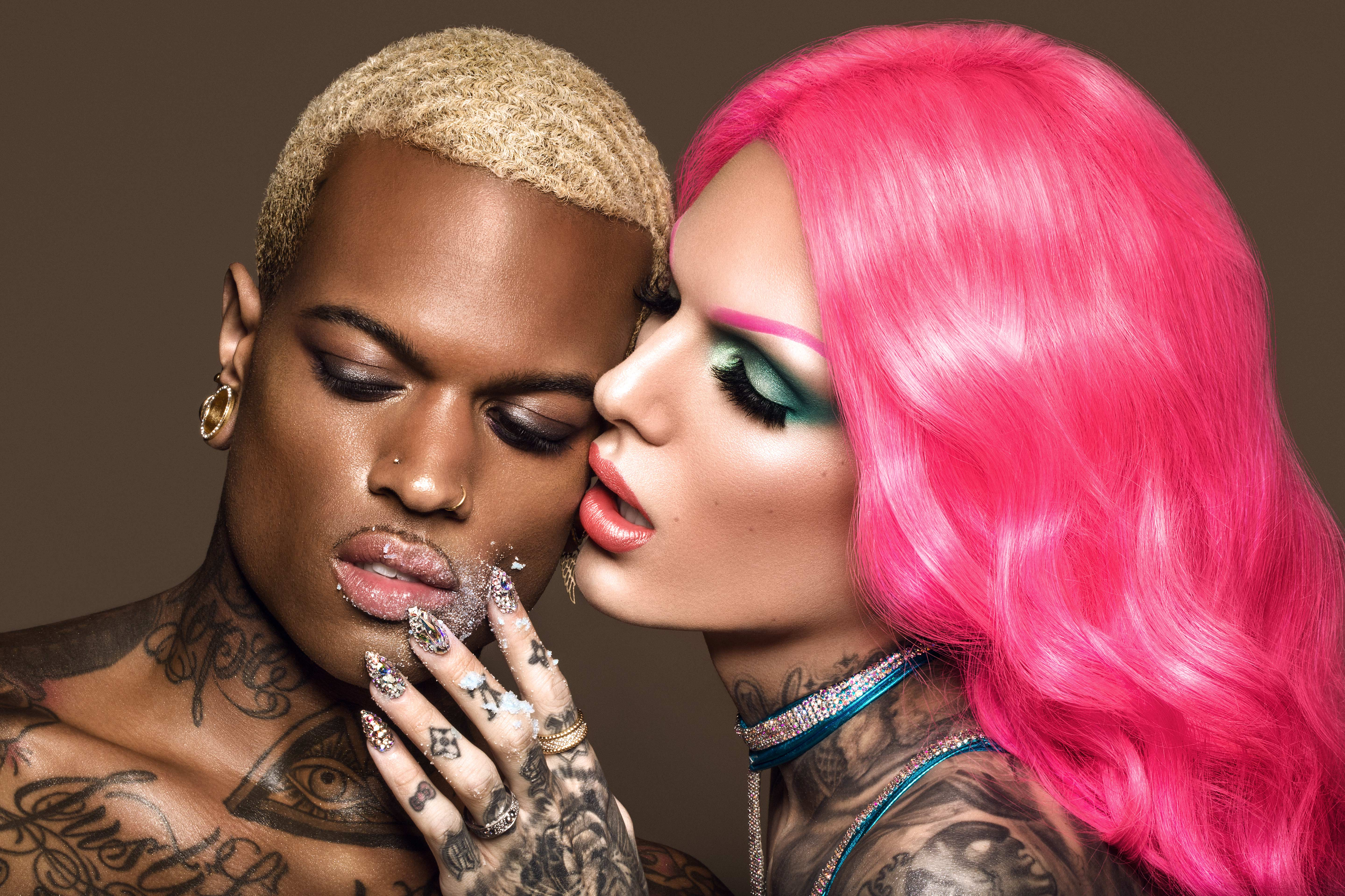 6 41 pm jettelag ig idfcemely jeffree star cosmetics jeffree star cosmetics Jeffree Star Summer Chrome Campaign Photoshoot